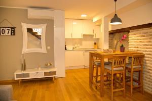 Una cocina o zona de cocina en Elements Rooms