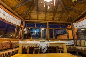Patiskacavehouse 레스토랑 또는 맛집