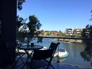 Marina View Apartment on the Maribyrnong River