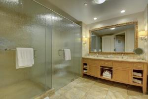 A bathroom at Trump Tower Studio Condo - Walk to Las Vegas Strip