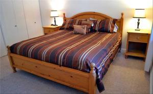 Cama o camas de una habitación en Home Near Heavenly