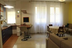 A seating area at Carbonara Apartment