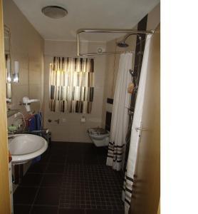 Ein Badezimmer in der Unterkunft Fewo-Heigl