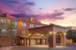 Image result for lake powell hotel 300x200