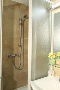 A bathroom at Carpe Diem Apartments