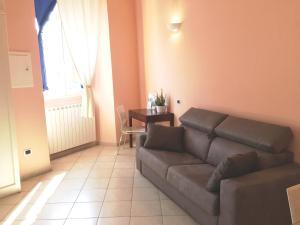 A seating area at Casetta sulla Baia del Silenzio