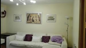 A seating area at Casa Jon Con Garage Y Wifi