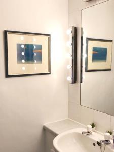 Galeri gambar di penginapan ini