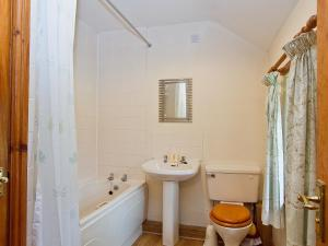 A bathroom at The Cottage