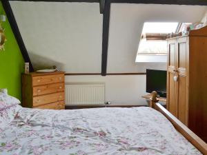 A bed or beds in a room at Caulton