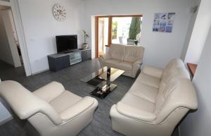 A seating area at Villa Roma