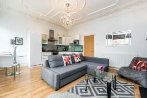 A seating area at West Hampstead Apartment