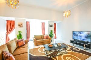 Hometown Apartments - Charming 2BR Apartment