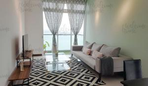 Paragon Residence Straits View