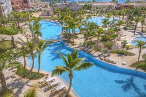 Fishing Lodge Luxury Resort