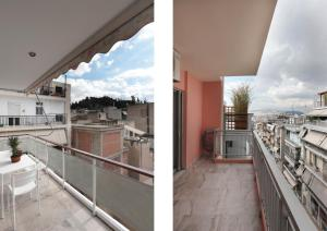 A balcony or terrace at Joyful Turquoise Apt in Athens Historic Centre