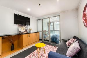 The little cutie 2bedrooms next to Skytower