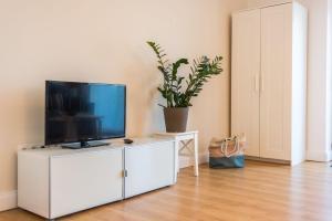 En tv och/eller ett underhållningssystem på Luv