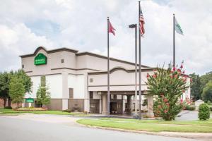Hotel Wingate North Little Rock Ar Booking Com