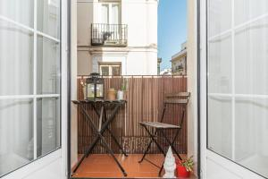 A balcony or terrace at BNBHolder Charming & Stylish CHUECA