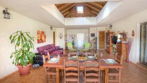 Reštaurácia alebo iné gastronomické zariadenie v ubytovaní Luxury & Comfort - Villa Romana