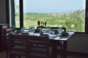 A restaurant or other place to eat at Villa Maggie