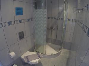 Ένα μπάνιο στο Geroulis Stefanos Studios