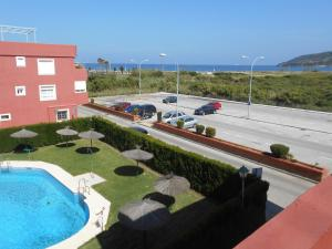 A view of the pool at Apartamento a la Playa or nearby