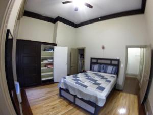 A bed or beds in a room at Best Location - Amazing Space - Come Enjoy!