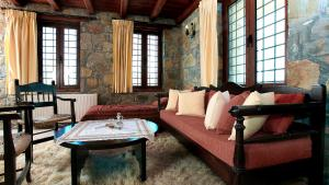A seating area at Arodamos Guesthouse