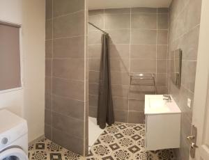 Salle de bains dans l'établissement Gite Mandy