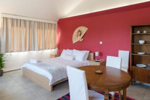 Chroma Lodge, Pikérmion, Greece - Booking com