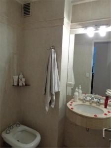 A bathroom at Puerto madero Departamento entero 2 dormitorios. Hermoso