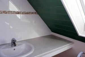A bathroom at Holiday rental in Brittany - Finistere