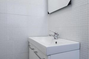 A bathroom at Claudio Vaticano appartamento