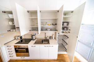 Küche/Küchenzeile in der Unterkunft Prague Authentic Apartment at Historical Square