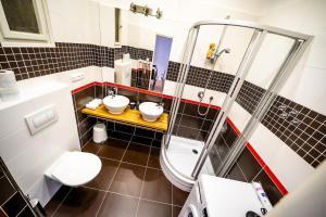 Ein Badezimmer in der Unterkunft Prague Authentic Apartment at Historical Square