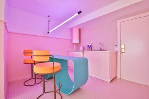 Ein Sitzbereich in der Unterkunft Paradiso Ibiza Art Hotel