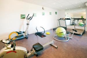 Gimnàs o zona de fitness de Séjours & Affaires Genève Gex Les Rives Du Léman