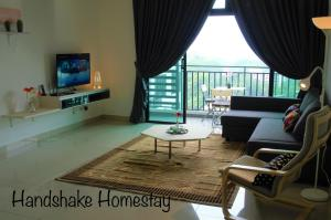 Handshake homestay @Citywood Sea& Singapore View