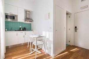 Een keuken of kitchenette bij Dream Chiado Apartments