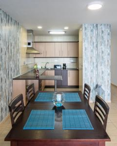 Een keuken of kitchenette bij Infinity terrace: entre el cielo y el mar