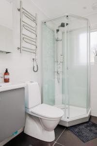 Koupelna v ubytování Gränna Lakeview