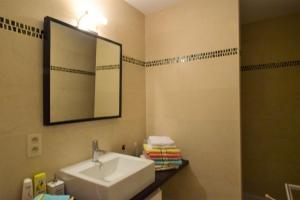 A bathroom at ABC Apartment Langestraat