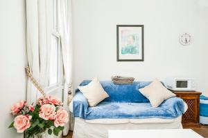 A seating area at New Super 1 Bedroom Flat in the Heart of Greenwich