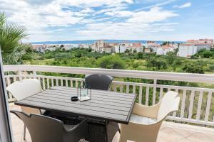 Un balcón o terraza de Apartments LUPE