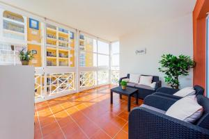 A seating area at Apartamento Torrevieja Sunrise Atalayas