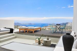 White & Co. La Torre Suites