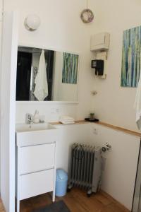 A bathroom at Gemütliches Apartment - Nähe Schloss Schönbrunn