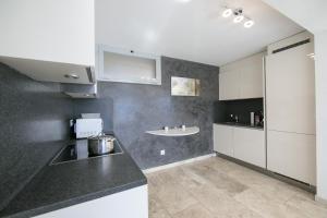 A kitchen or kitchenette at Casa Monte Rosa